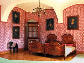 Restored bedroom at Děčín Castle